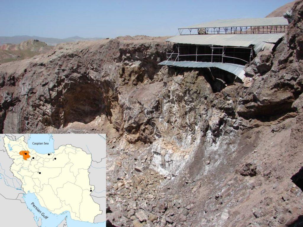 Widok ogólny kopalni soli w Szehr Abad