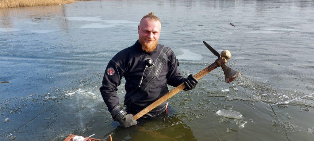 Zimowe nurkowanie, zdj. Bartosz Kontny