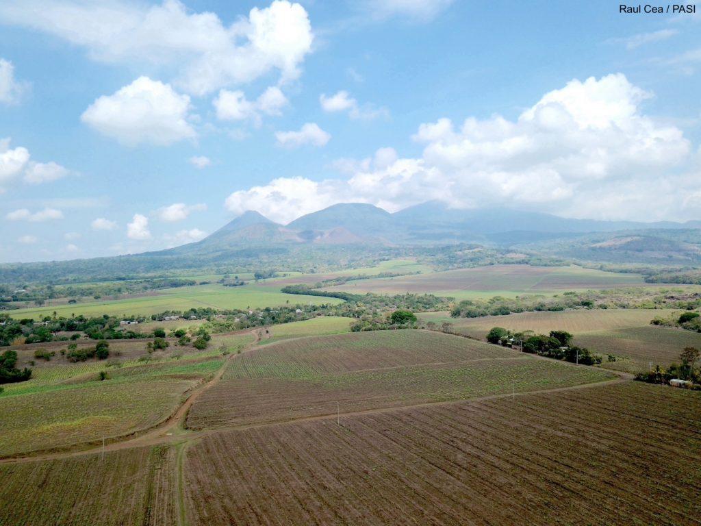 Masyw Santa Ana, składający się z 5 wulkanów © R.Cea / PASI, zdjęcie na licencji CC BY 4.0