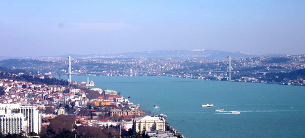 Cieśnina Bosfor w Stambule. Właśnie na brzegach cieśniny tętniło życie antycznego Konstantynopola © B. Videt, na podstawie licencji CC BY 2.5, via Wikimedia Commons